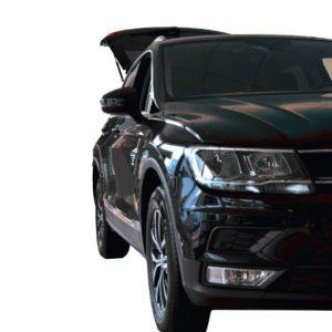 Kofferraumbodenplatte Con-Pearl im VW Tiguan